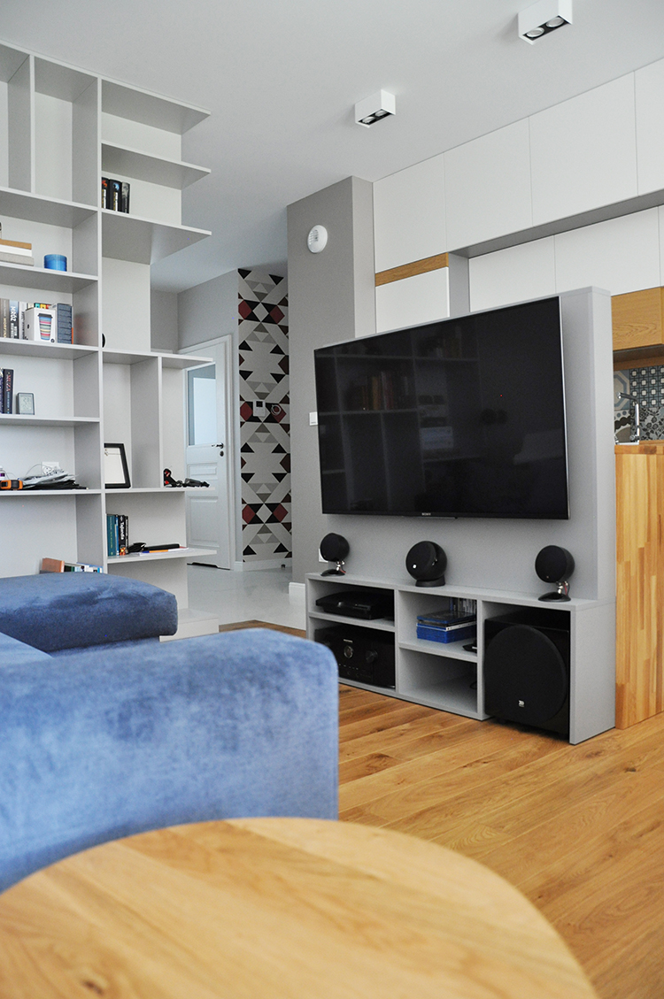 Przytulny i funkcjonalny minimalizm, czyli jak urządzić 70-cio metrowe mieszkanie w Warszawie.