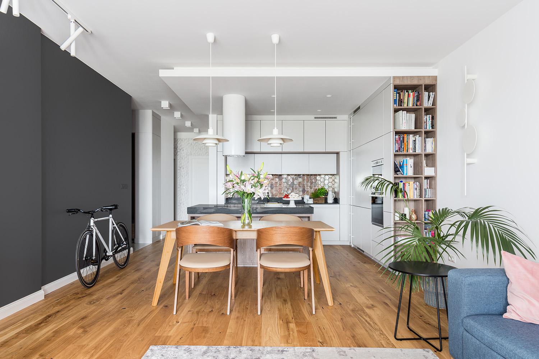 Projekt otwartej kuchni w funkcjonalnym mieszkaniu.