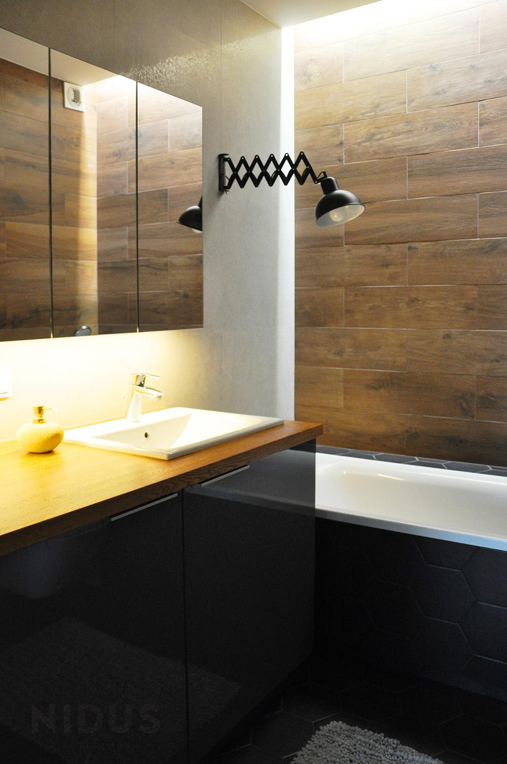 Nastrojowa łazienka w ciemnych kolorach